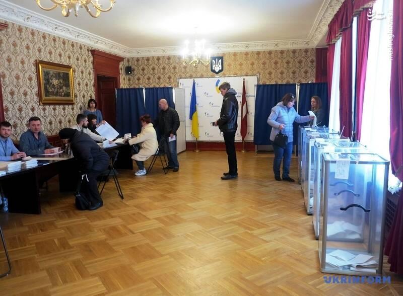عکس/ پیروزی زلنسکی در انتخابات اوکراین - 13