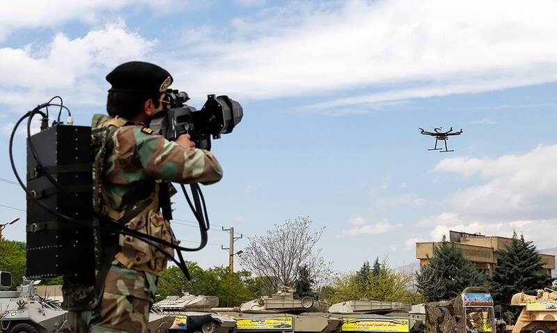 از اخلالگر الکترونیکی تا پرتاب تور برای مقابله با ریزپرندهها/ «ژ-3» های ارتش به شکار پهپاد می روند+عکس