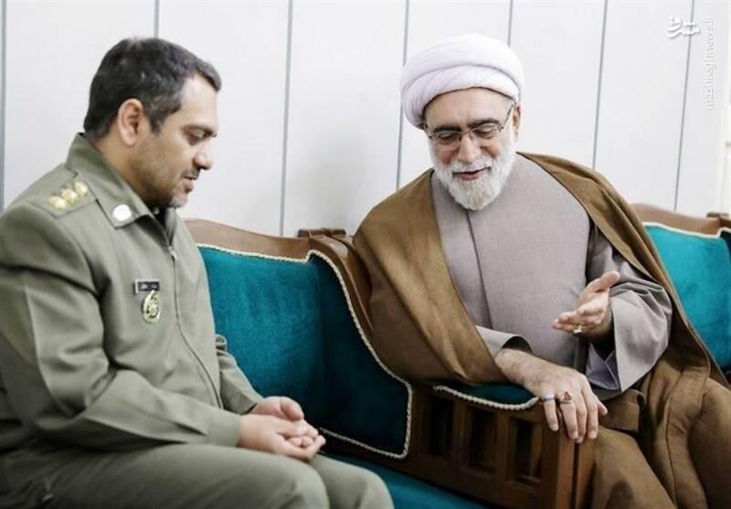 تقدیر تولیت آستان قدس از سرهنگ معروف ارتش