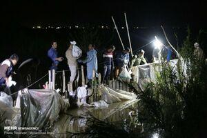 عکس/ نجات شبانه یک روستا از سیل