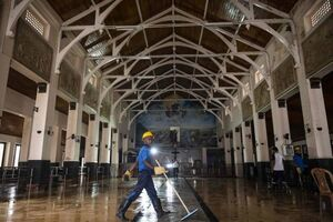عکس/ پاکسازی کلیسای سریلانکا