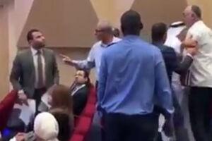 فیلم/ واکنش بحرینیها به اظهارات ضد شیعی یک مصری