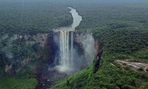 عکس/ بزرگترین آبشار قطرهای جهان