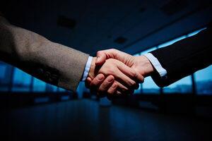 کارشناسان بیشتر حقوق میگیرند یا مدیران؟+جدول
