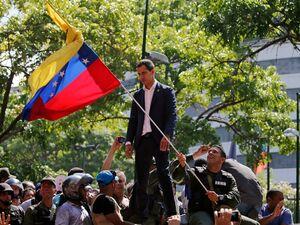 استدلال عجیب سناتور آمریکایی در حمایت از کودتاچیان ونزوئلا