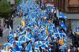 عکس/ تظاهرات هزاران نفری در اسکاتلند