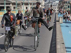 عکس/ مسابقه دوچرخه سواری متفاوت در انگلیس