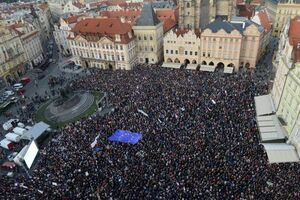 عکس/ تظاهرات مردم چک علیه وزیر دادگستری