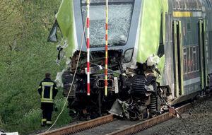 عکس/ برخورد شدید قطار با کامیون در آلمان