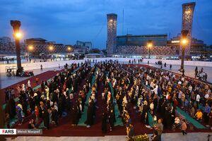 عکس/ ضیافت قرآن و افطاری در میدان امام حسین(ع)