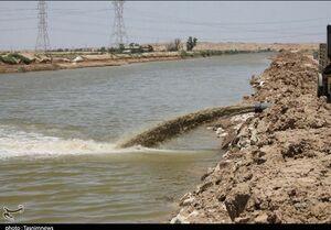 عکس/ خروج آب از منطقه عین۲ توسط سپاه اهواز