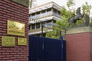 حلوای چرب انگلیسیها در تهران برای «افطاری» به وقت لندن +تصاویر
