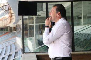 حضور مارک ویلموتس در استادیوم آزادی