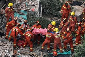 عکس/ فرو ریختن مرگبار یک ساختمان در چین