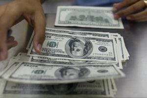 سایه سنگین بازار متشکل ارزی بر سر دلالان