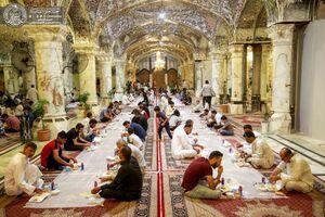 عکس/ سفره افطاری در صحن حضرت زهرا(س)
