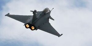 فرود اضطراری 7 جنگنده فرانسه در اندونزی