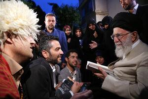 عکس/ دیدار جمعی از شاعران با رهبر انقلاب