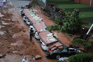 عکس/ خسارت سنگین باران به 11خودرو