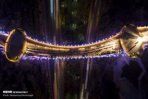 عکس/ مراسم افطار مردمی در پل طبیعت تهران