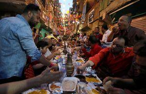 افطاری محله در شهر قاهره مصر