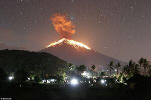فوران کوه آتشفشانی «آگونگ» در جزیره «بالی»