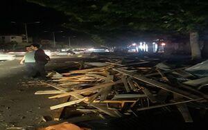 تخریب سقف ۸ واحد مسکونی براثر وزش شدید باد