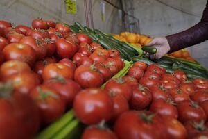 خرید ۳ کیلوگرم صیفیجات با یک اسکناس ۱۰ هزار تومانی