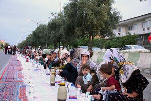 عکس/ طولانی ترین سفره افطاری ایران در آققلا