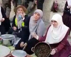 فیلم/ افطاری زنان فلسطینی چشم در چشم سربازان اسرائیلی