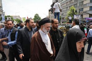 عکس/ فرزند ارشد رهبرانقلاب در راهپیمایی روز قدس