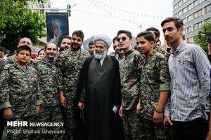 عکس/ رئیس اطلاعات سپاه در حلقه بسیجیان
