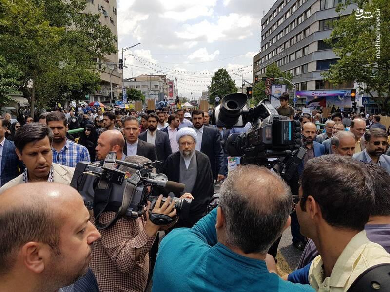 حضور آیت الله آملی لاریجانی در راهپیمایی روز قدس