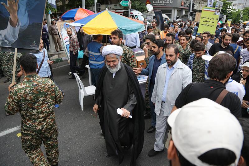 حضور حجت الاسلام طائب در راهپیمایی روز قدس