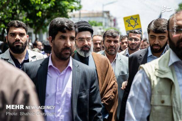 سید مجتبی خامنهای فرزند رهبر انقلاب در راهپیمایی روز قدس