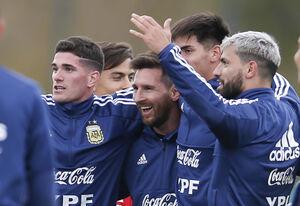 صف سلفی با مسی حتی در تیم ملی +عکس
