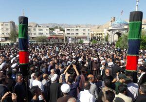 برگزاری مراسم تشییع پیکر امام جمعه شهید کازرون/ سنگ تمام مردم در وداع روحانی با اخلاص و پرتلاش +تصاویر