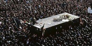 لحظات تدفین پیکر امام (ره) از زبان خلبان پرواز ۱۴ خرداد