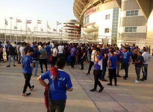 عکس/ هواداران داماش را به ورزشگاه راه ندادند