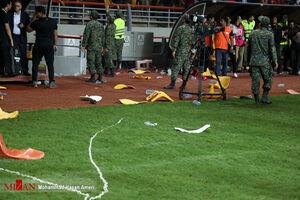 هواداران پرسپولیس۲ هزار صندلی ورزشگاه فولاد را شکستند