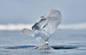 عکس/ یخ زدن تمیزترین دریاچه جهان