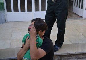 عکس/ بازگشت کودک ربودهشده به آغوش خانوادهاش