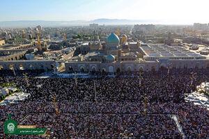 عکس/ نماز باشکوه عید فطر در حرم امام رضا(ع)
