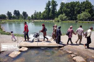 عکس/ حضور گردشگران در تاق بستان کرمانشاه