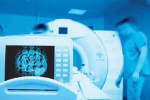 فیلم/ جراحی در اتاق عمل با تصویربرداری سهبعدی