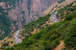 عکس/ مسافران در ترافیک جاده چالوس
