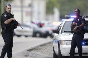 پلیس آمریکا سالانه تقریباً ۱۰۰۰ نفر را به ضرب گلوله میکشد