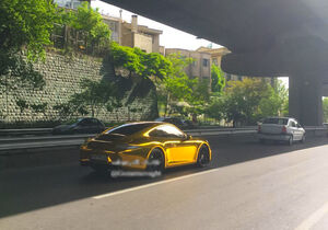 عکس/ پورشه طلایی در تهران