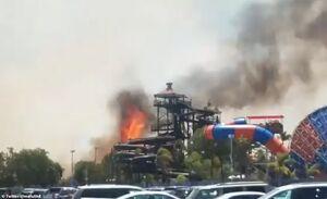 عکس/ آتش سوزی مهیب در شهربازی کالیفرنیا