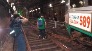 عکس/ خارج شدن قطار از ریل در بوستون